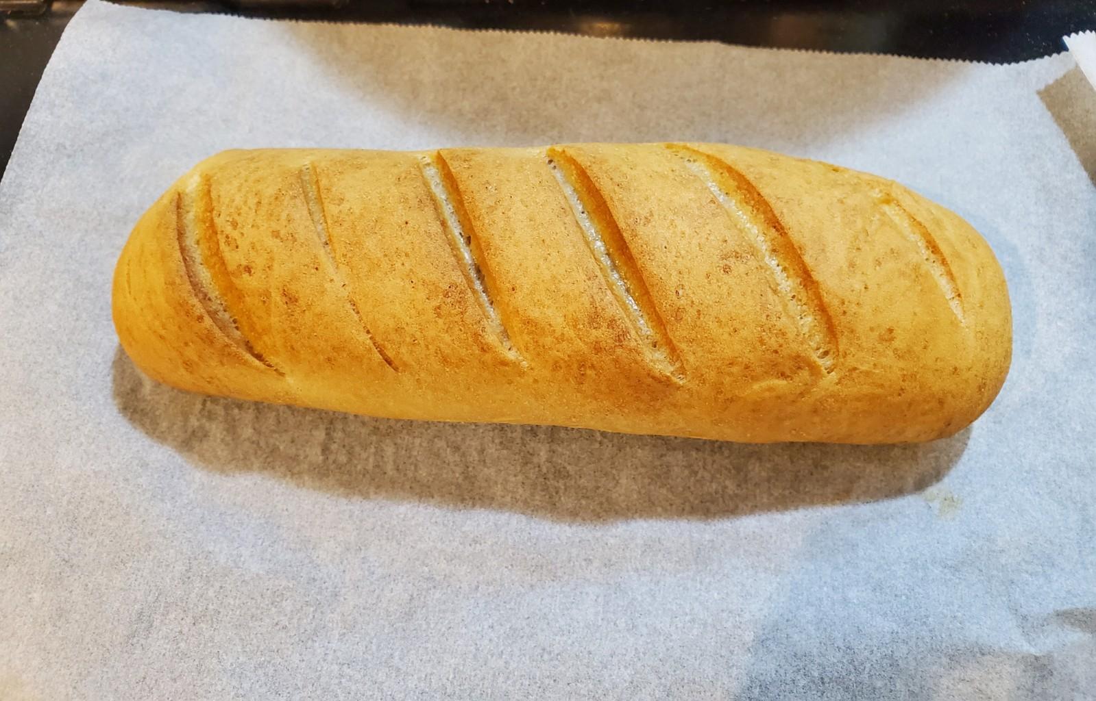 外はカリっと、中はしっとりフランスパン
