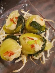 ちんげん菜でくるりんぱ。豆腐の蒸しだんご