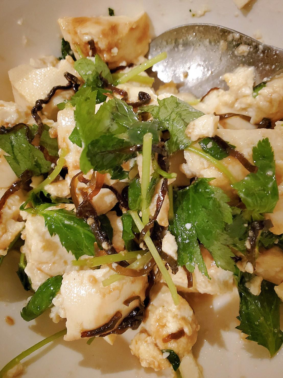 豆腐と三つ葉の塩昆布サラダ